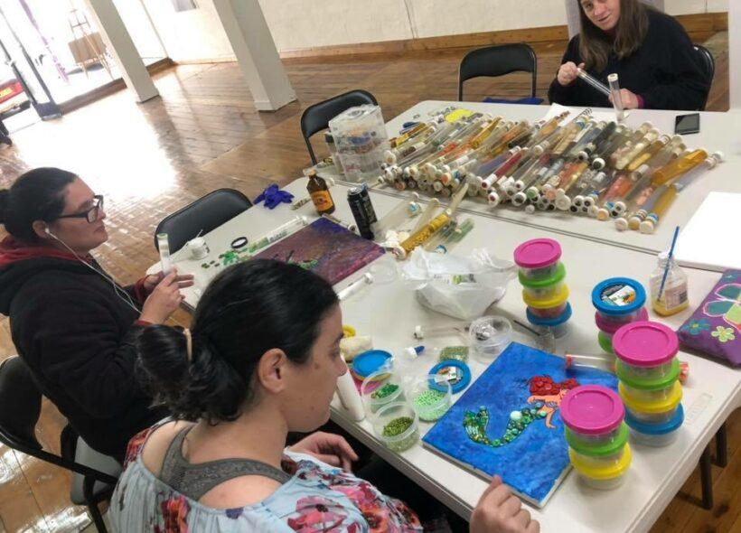 people working on art ptoject